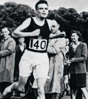 A picture of Alan Turing running.