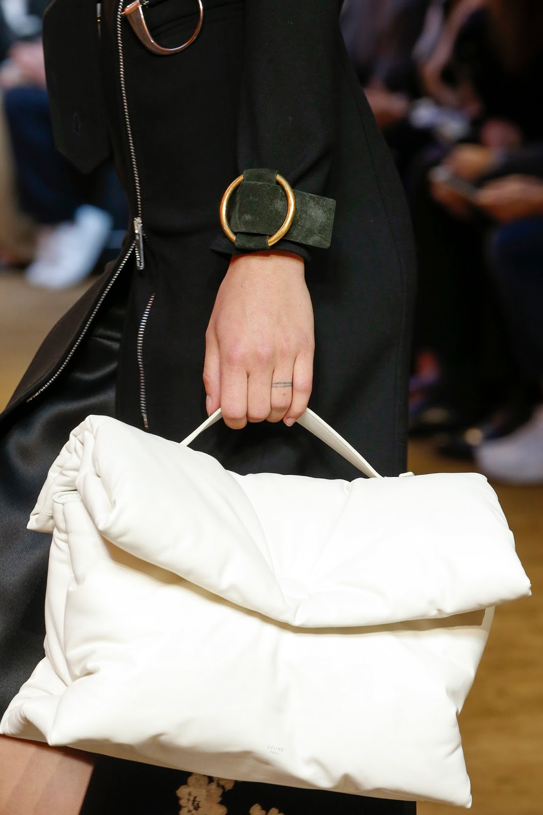 celine bag to buy - BagAddicts Anonymous: #PFW: C��line SS16 Runway and Bags Report