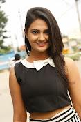 Neha Deshpande Glamorous look-thumbnail-16