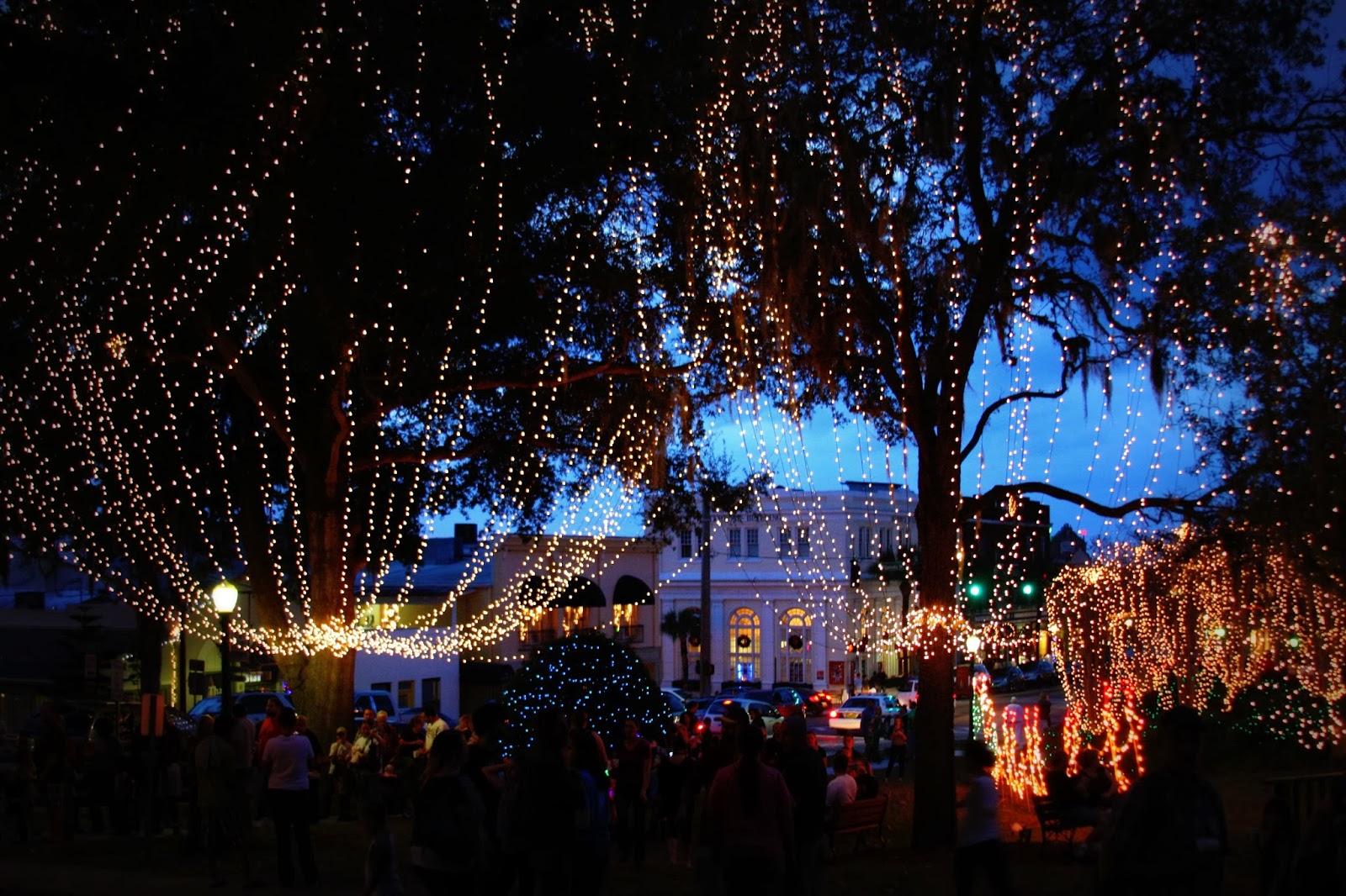Mt Dora Christmas Lights
