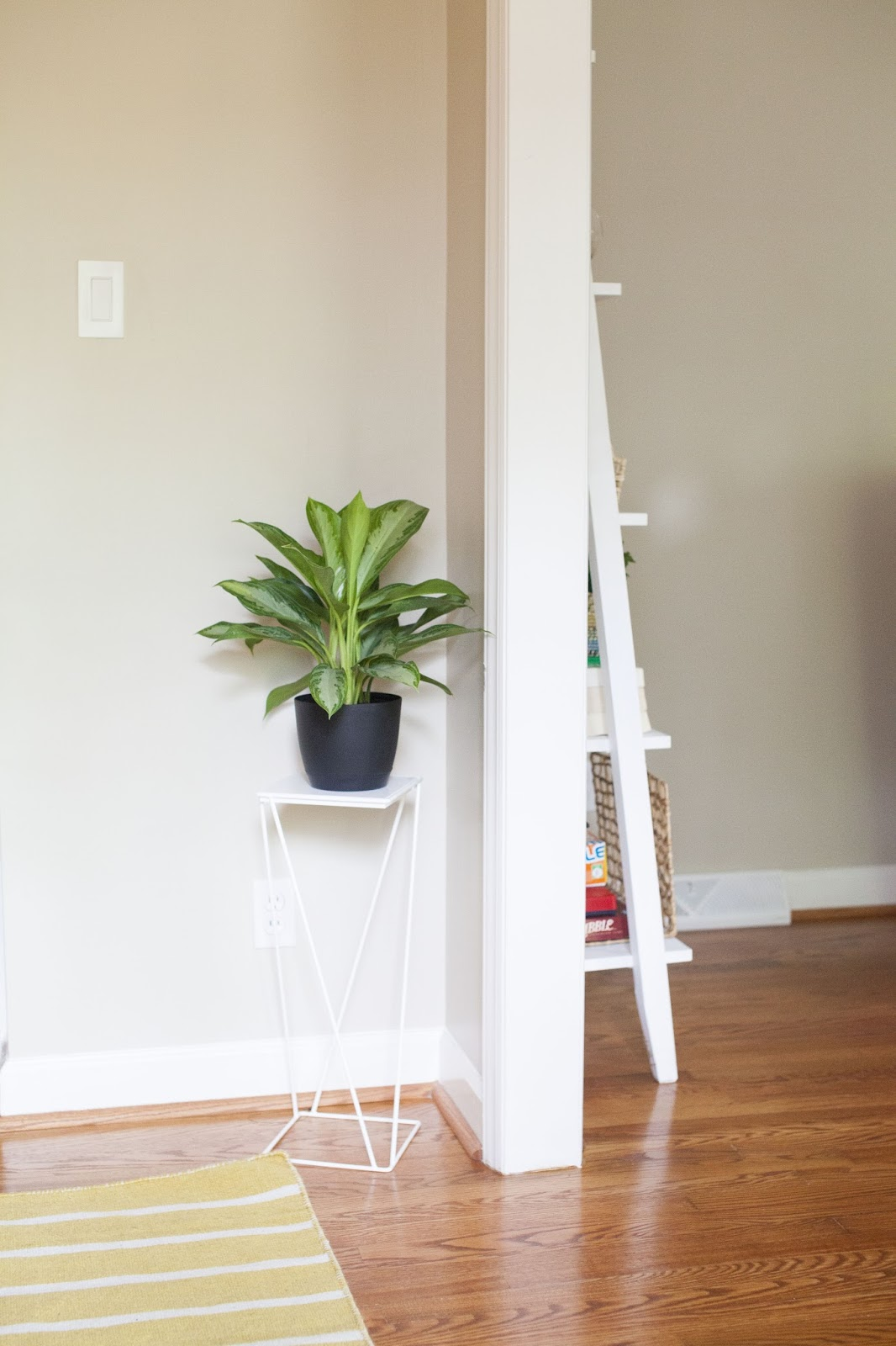 Entryway essentials design post interiors your entry way is the first thing greeting people as they enter your house so it should definitely set the tone i dont have a formal entry or foyer but m4hsunfo