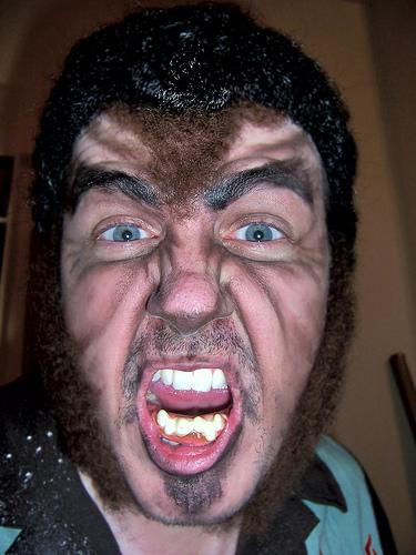 espectacular maquillaje de hombre lobo. ideas%2Bmaqullaje%2Bhombre%2Blobo%2Btratotruco%2B(2)