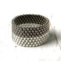 Оригинальные кольца из бисера - украшения ручной работы от Anabel. Peyote rings.