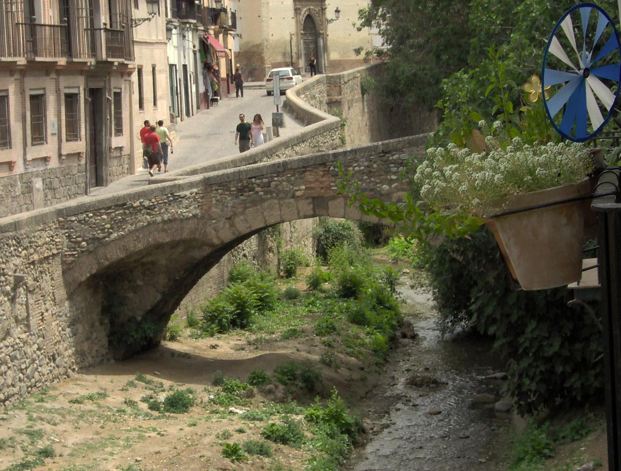 Baños Arabes Granada Paseo De Los Tristes: desde antaño se le llamaba también el paseo de la puerta de guadix