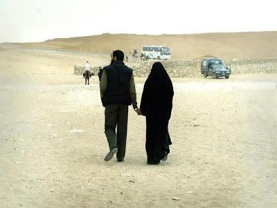 10 Sifat Calon Suami Yang Baik