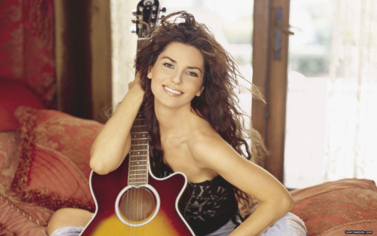 http://2.bp.blogspot.com/-dCtrI1IFnC8/UKWIazFYiTI/AAAAAAAAg24/habTX09Wh8Y/s1600/Shania-Twain-guitar.jpg