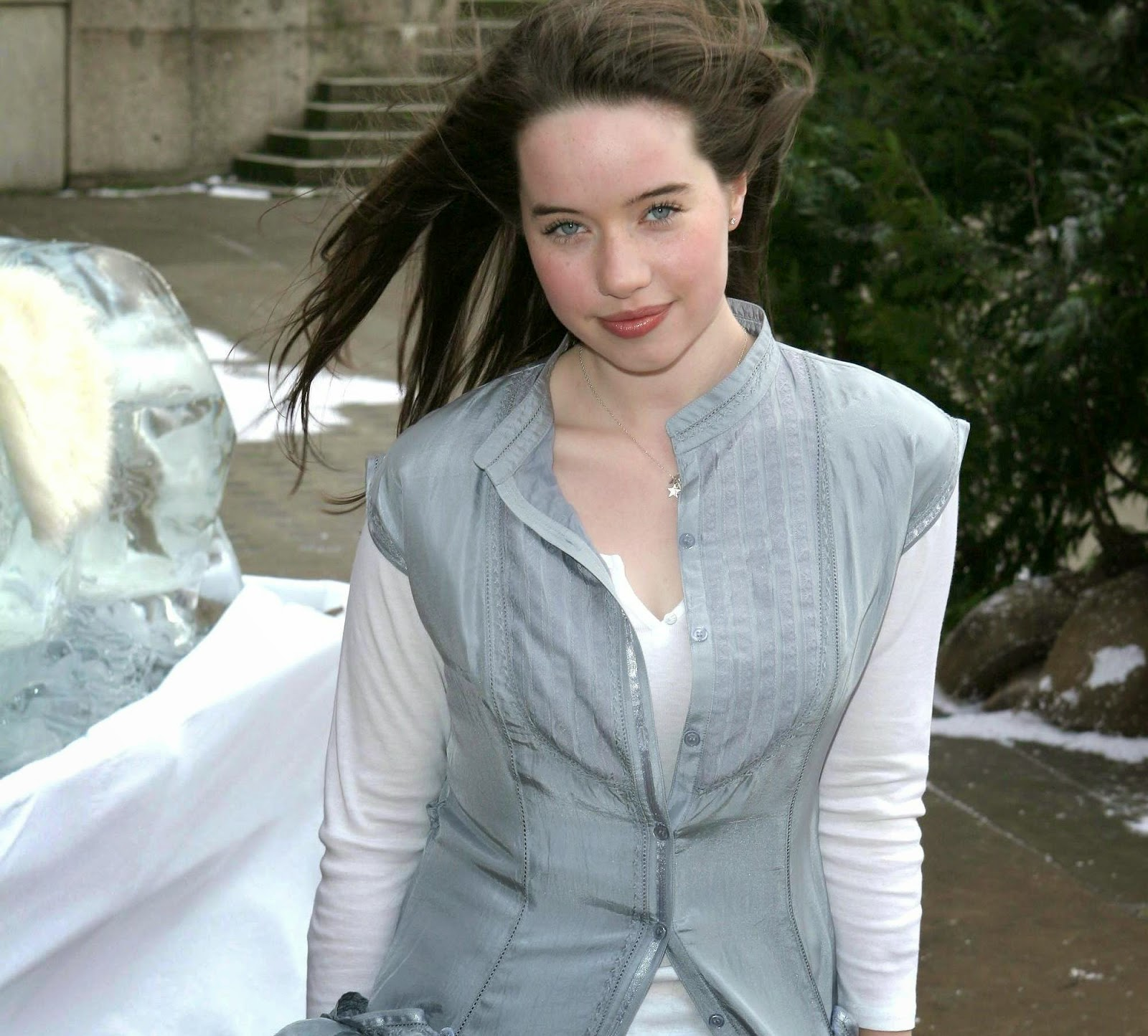 Anna Popplewell Wallpapers Free Download