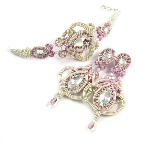 Różowa biżuteria ślubna