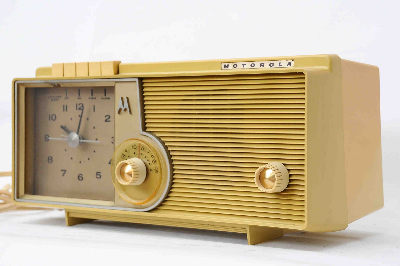 old vintage gallery vintage motorola tube am radio c5s with alarm clock chicago usa. Black Bedroom Furniture Sets. Home Design Ideas