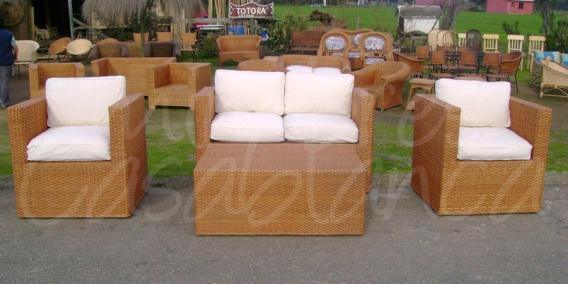 Muebles de mimbre mimbres casablanca juegos de terraza for Sofa mimbre terraza
