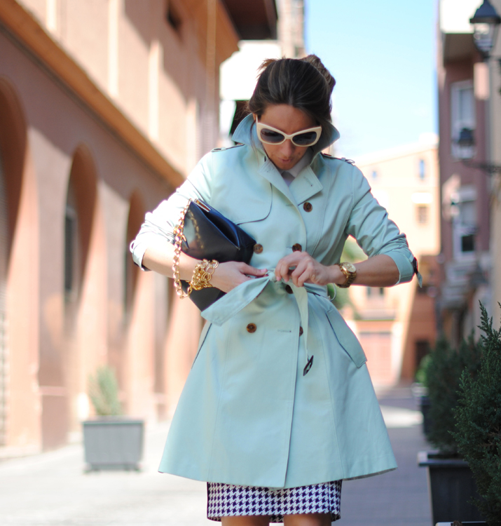 Queen's Wardrobe mint trench by the blogger Mónica Sors 3