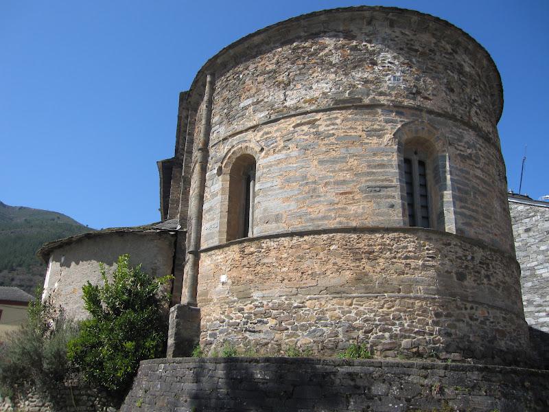 El blog de regina buitrago ibias de asturias el gigante for Estilos arquitectonicos contemporaneos