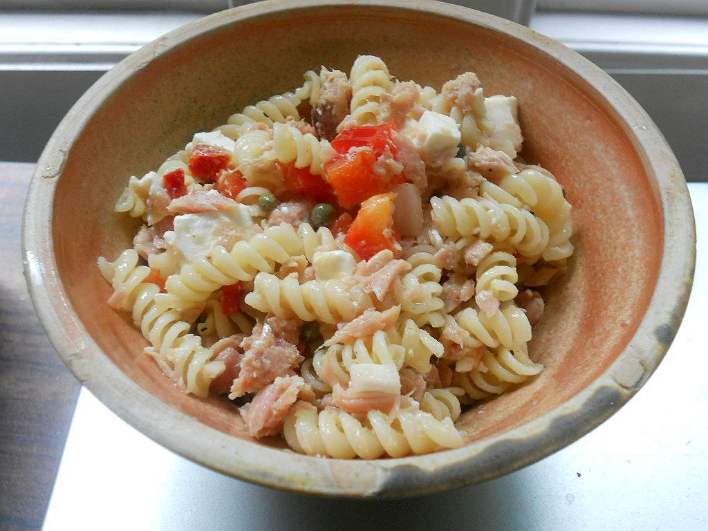 Tuna pasta salad recipe swap hezzi d 39 s books and cooks for Tuna fish pasta