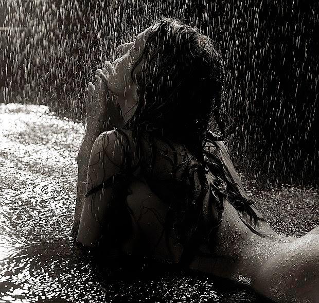 Mokenstef sexo bajo la lluvia