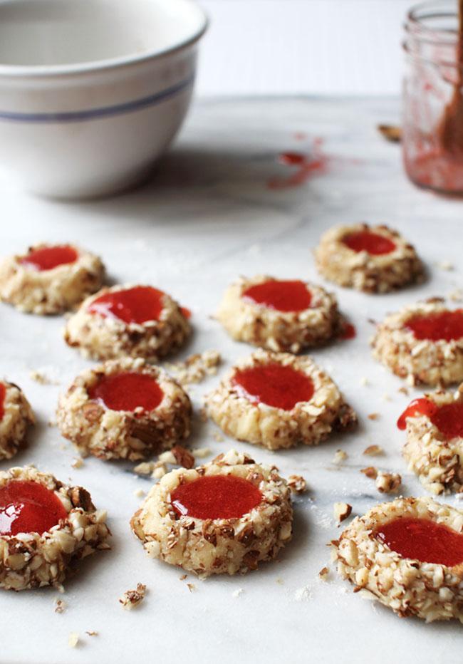 Flourishing Foodie: Strawberry Almond Thumbprint Cookies