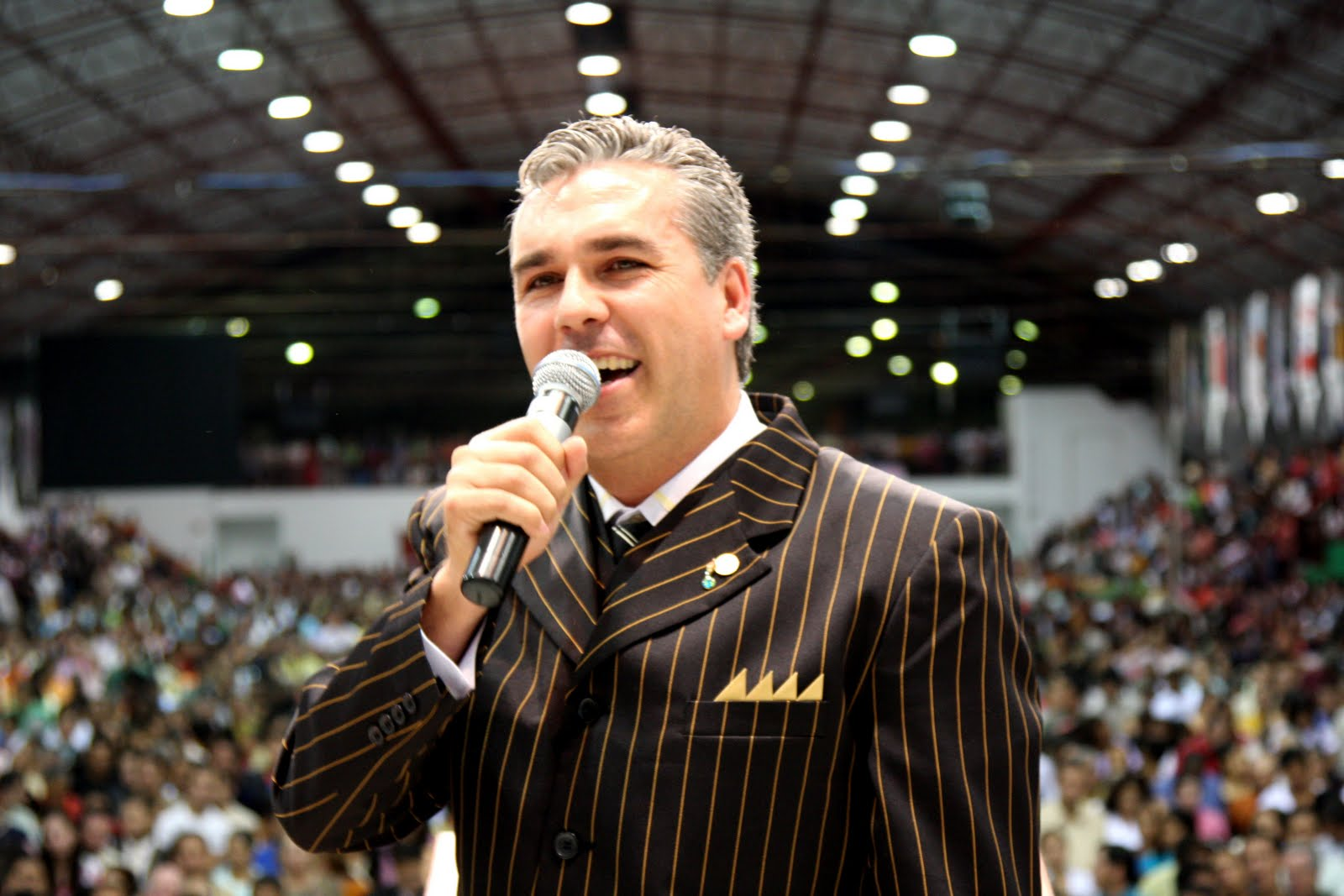 Gideoes 2013. Pastor: Wanderley Carceliano Tema: Não deixe a sua rede  #424B5F 1600x1067