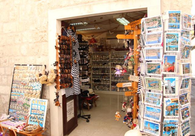 Trogir {Kroatien - Adria - Dalmatien} - Altstadt - Souvenirladen