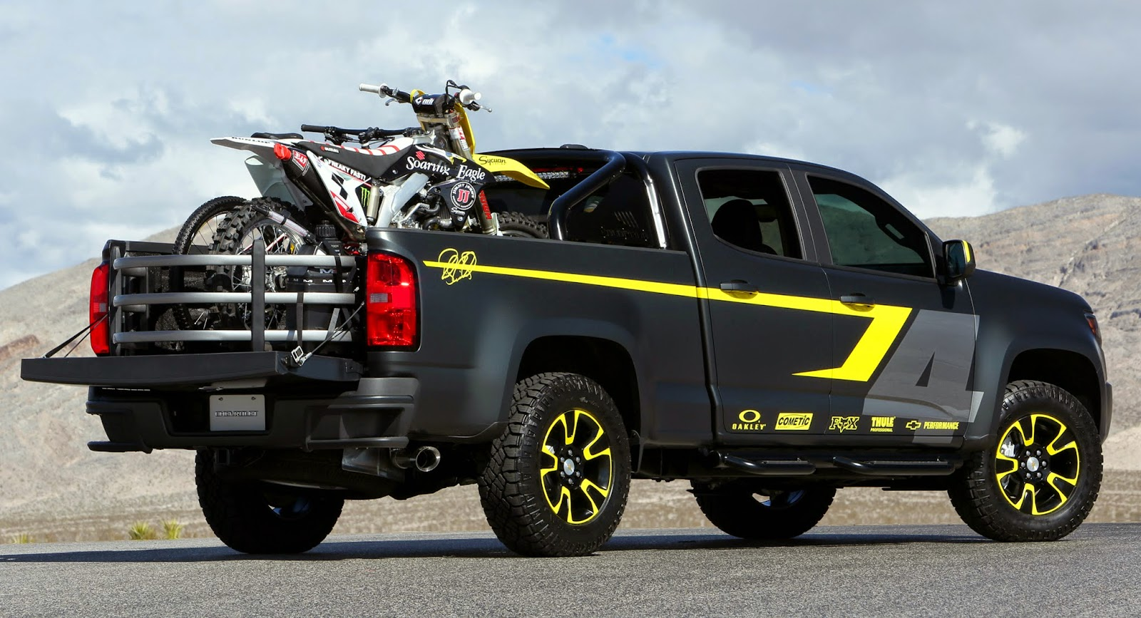 Chevy colorado performance concept enables adventure ricky carmichael helps develop package to demonstrate cargo capability flexibility