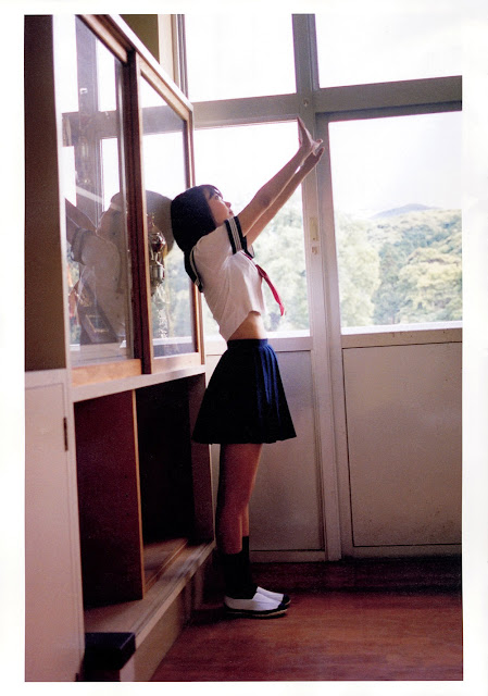 Sakura Miyawaki 宮脇咲良 Sakura さくら Photobook 写真集 07
