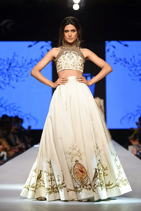 nadia ali showstopper for zaheer abbas
