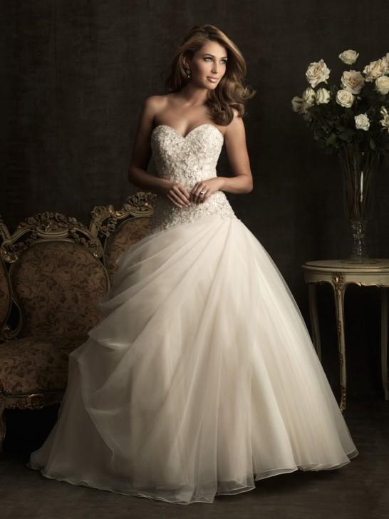 Hochzeitskleider Online Blog: Farbige Brautkleider: Welche Farbe ...