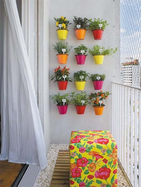 mini jardim apartamento:Decorar com Moda: Mini varandas de apartamentos: Onde colocar minhas