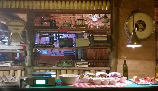 restaurante de massas com decoração vintage - foto acervo pessoal de Carina Pedro