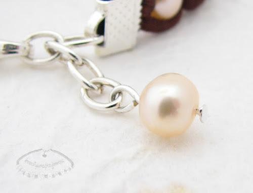 Makramowa bransoletka z pereł i sznurka satynowego 4