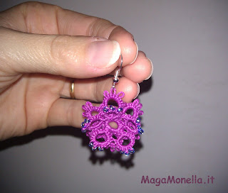 tatting earring - Orecchini a chiacchierino a forma di fiore con perline