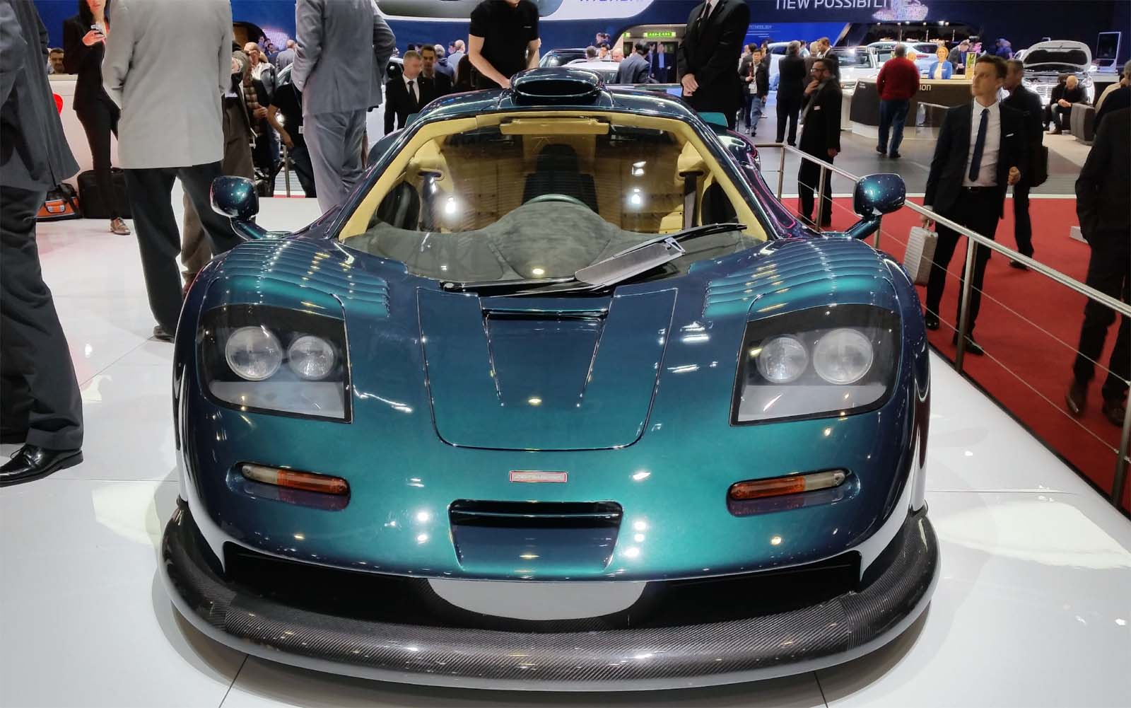 CarsINFashion Magazin: McLaren\'s Disco Inferno!