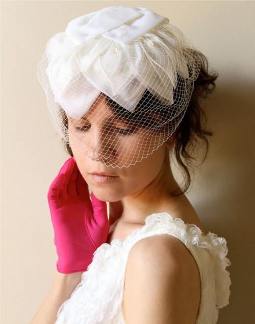 coiffurete dance coiffure de mariage avec chapeau. Black Bedroom Furniture Sets. Home Design Ideas