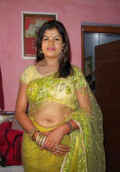 Women Are Very Unsatisfied Married Removing Saree Pics