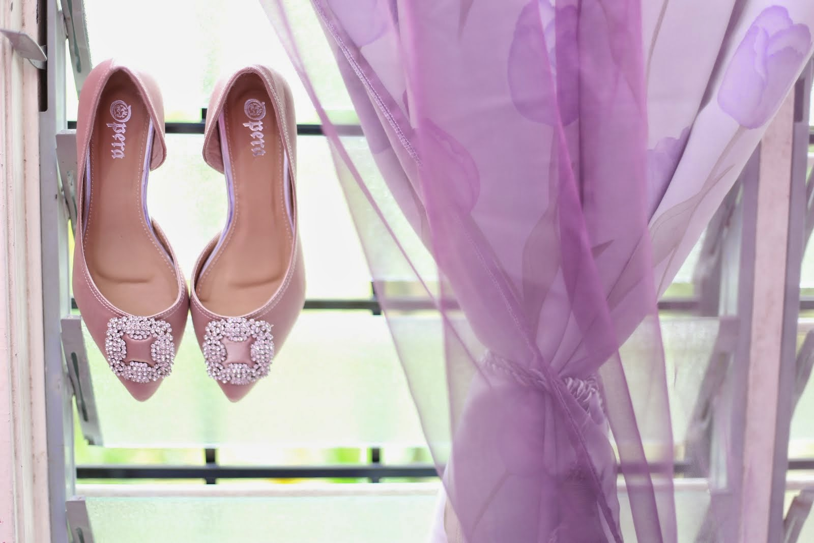 akad nikah's shoes,a gift from lovely dayah :)