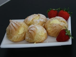 Cream Puff with special castard cream
