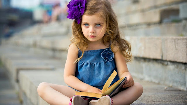 1372-Sweet Baby Girl Reading A Book HD Wallpaperz