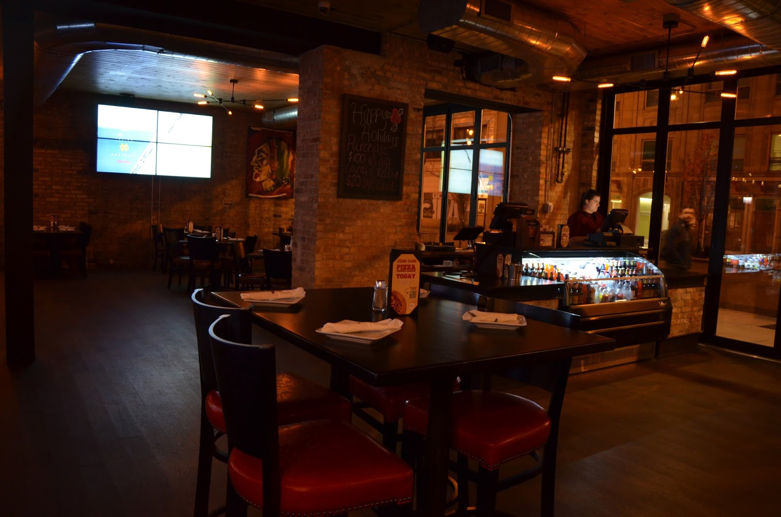 Chicago foodie sisters home run inn pizza now open in for Home run inn