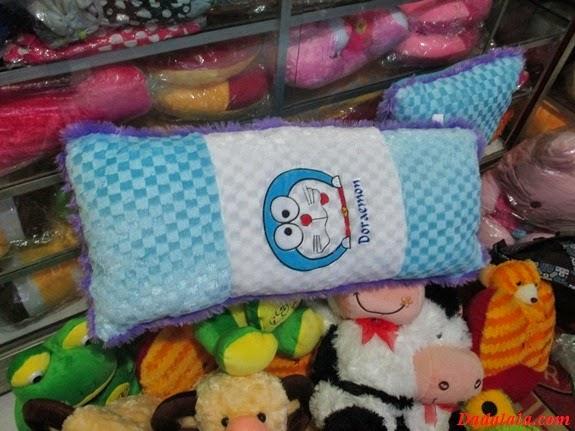 Boneka Bantal Cinta Motif Doraemon