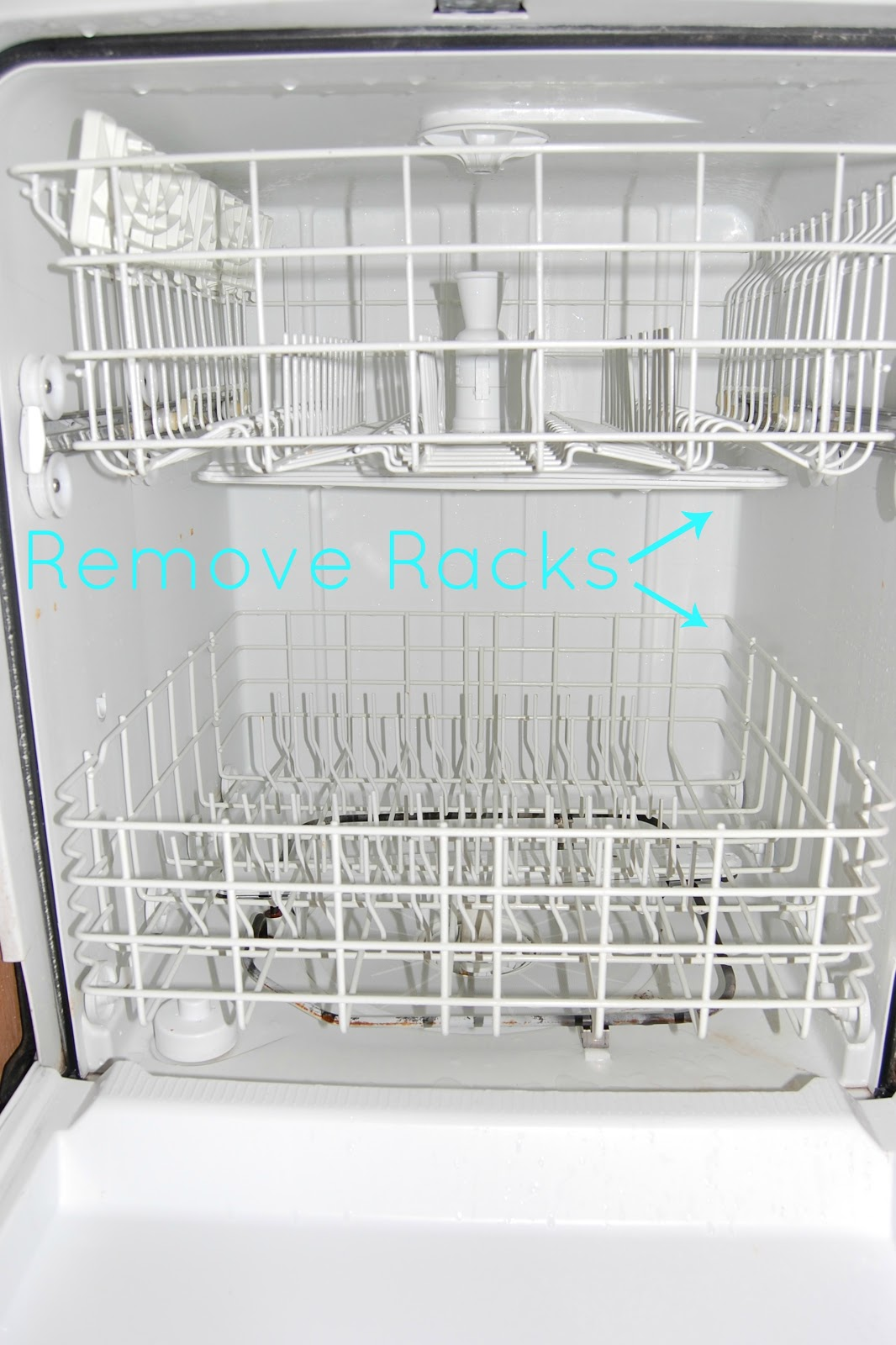 How To Naturally Clean Your Dishwasher