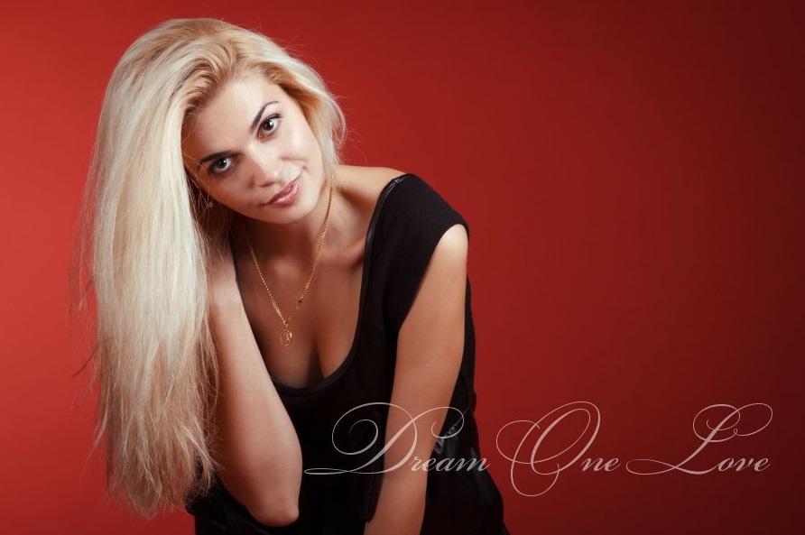 Dream One Love | Meet beautiful single Ukrainian women online