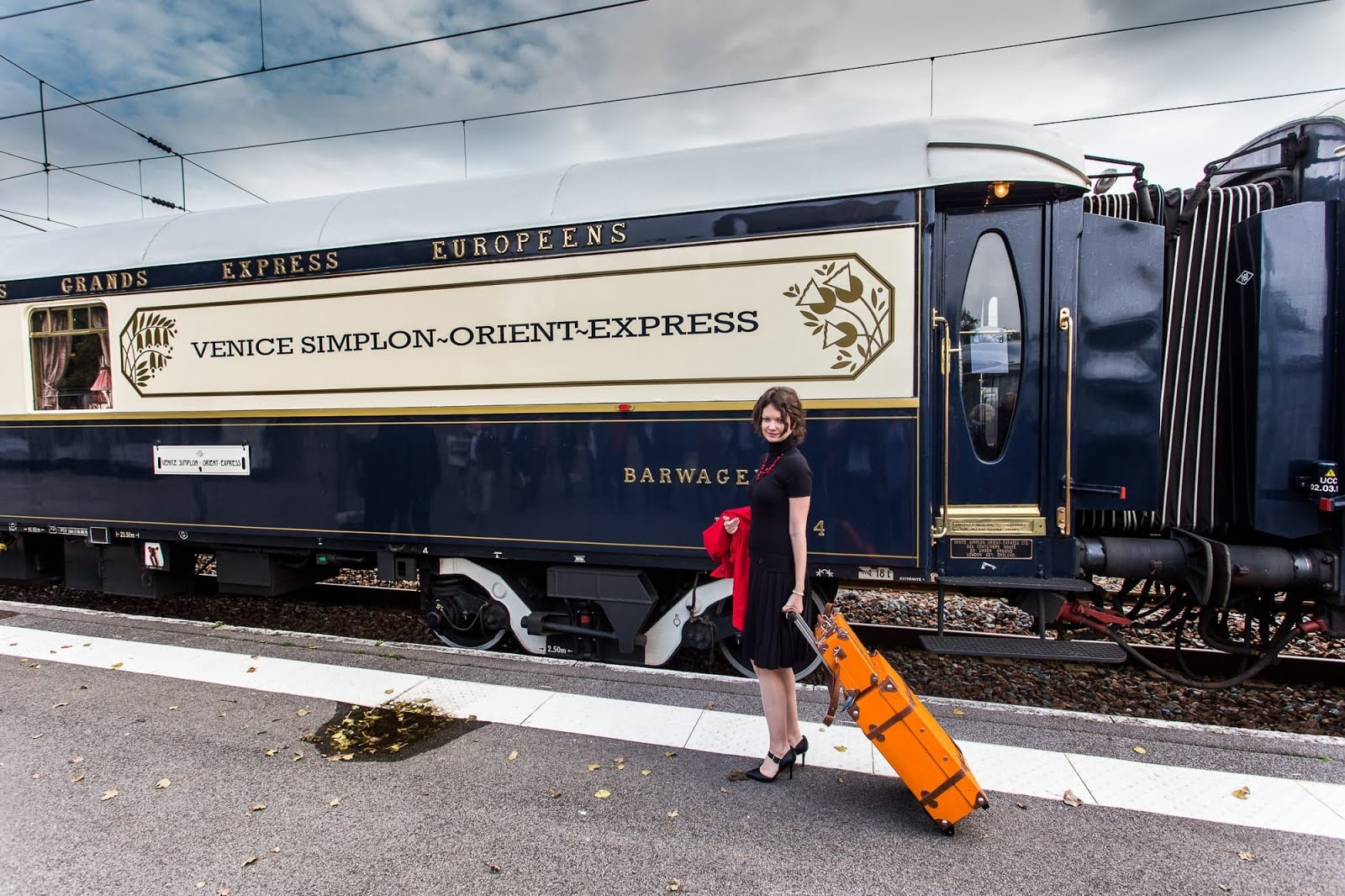 An experience on the venice simplon orient express train for Orient mobel