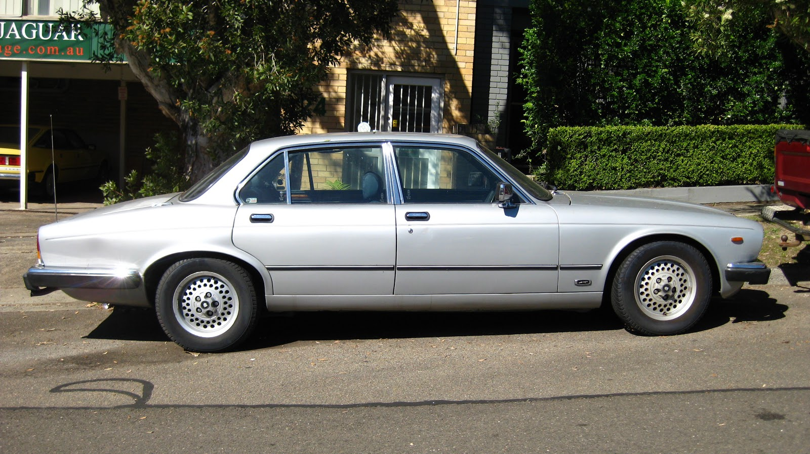 Aussie Old Parked Cars  1983 Jaguar Sovereign 4 2 XJ6 4 2
