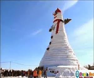 Boneka salju terbesar didunia