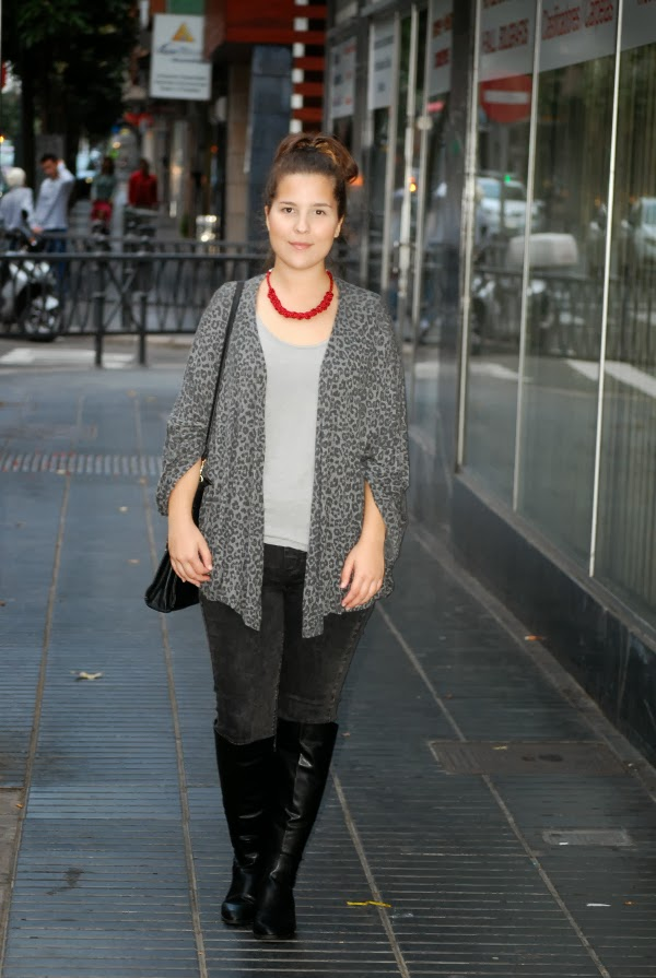 look_outfit_botas_altas_kimono_collar_granate_nudelolablog_03