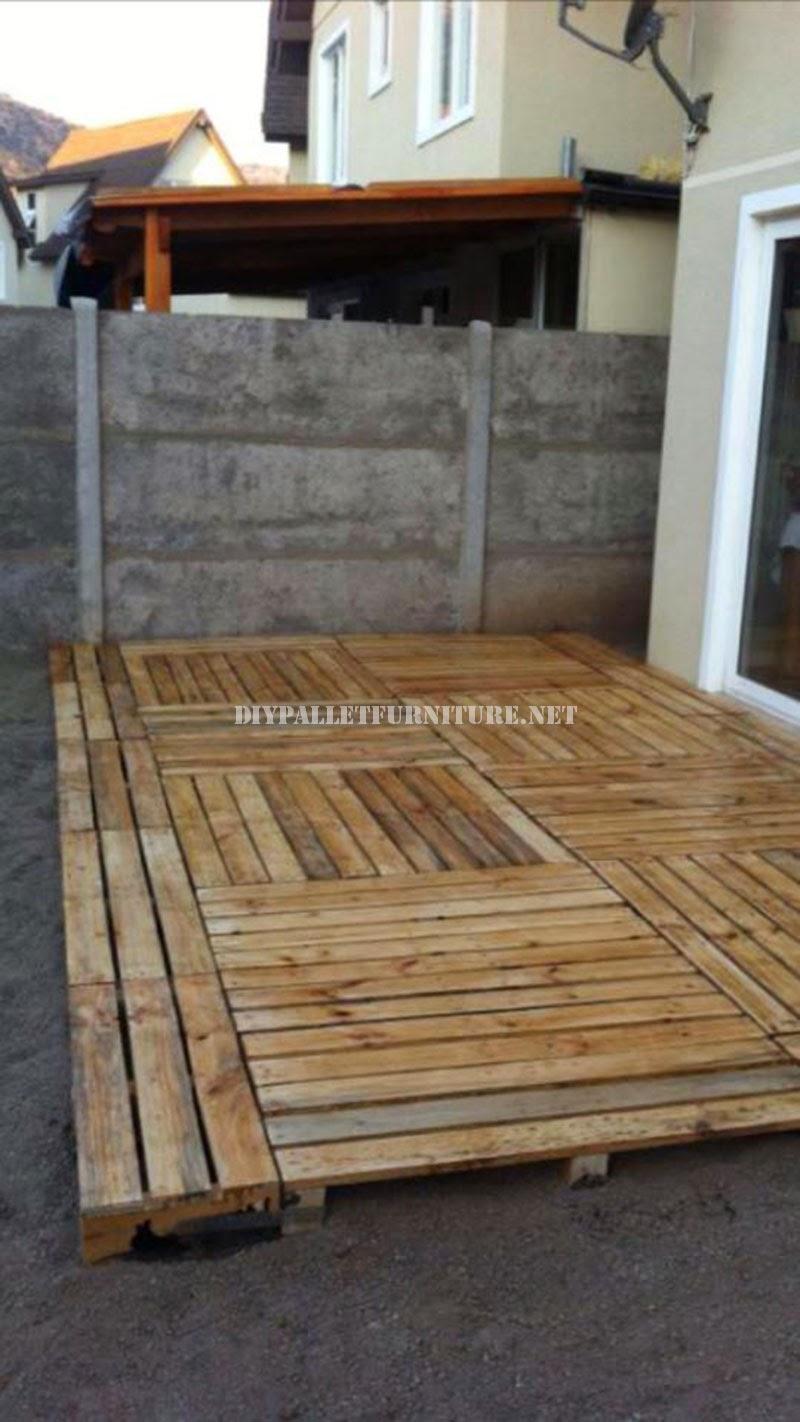 Ejemplos de tarimas construidas con for Tarimas de madera para jardin