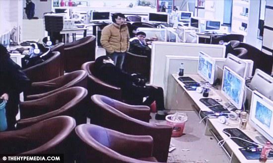 VIDEO Main Video Game 19 Jam Lelaki Batuk Berdarah Sampai Mati