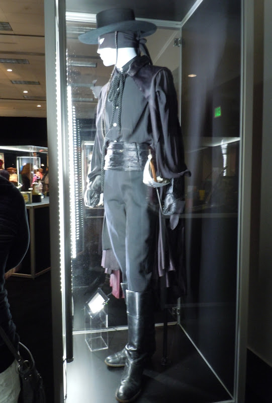 Zorro Guy Williams TV costume
