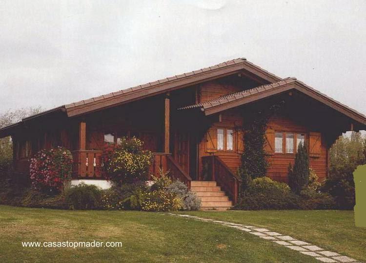 Vivienda de madera rústica en España