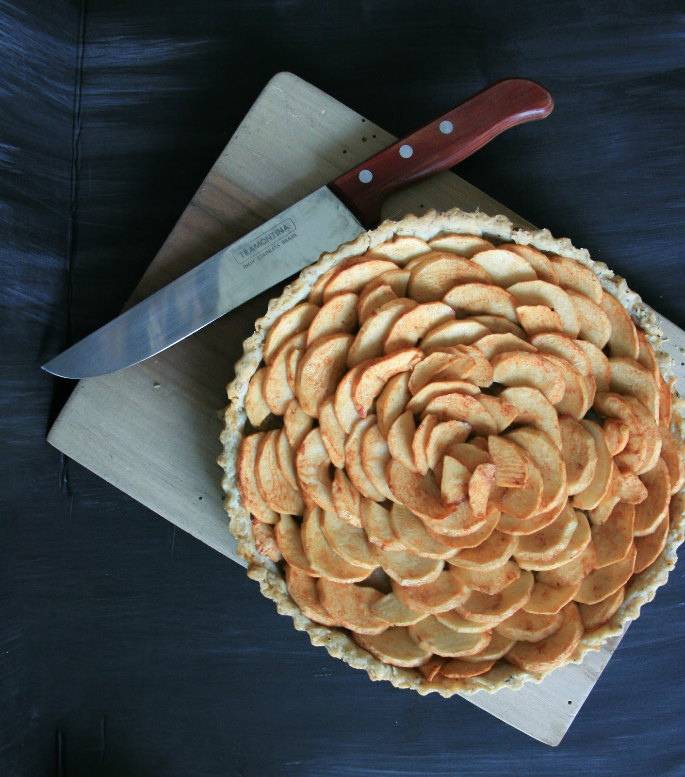 Little Rosetta: Simple Apple Tart with a Hazelnut Crust