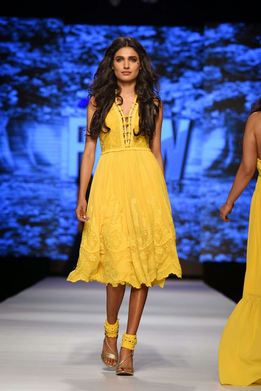 amna ilyas for fnk asia TFPW15