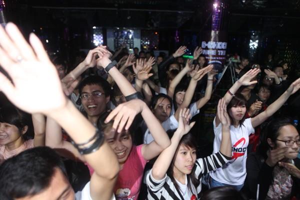 Flash mob tưng bừng